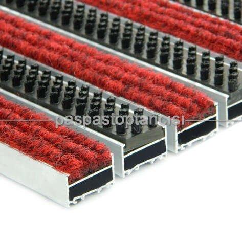 Alüminyum Metal Paspas Halı Fitilli ve Plastik Fırçalı Kırmızı